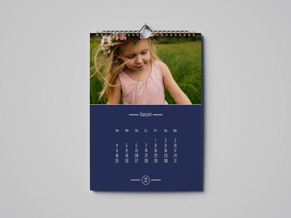 Kolorowy kalendarz ze zdjęciami