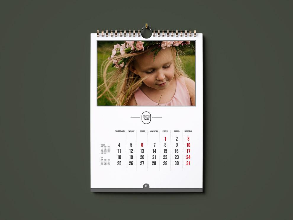 kalendarz ze zdjęciami 3 miesiące na jednej stronie