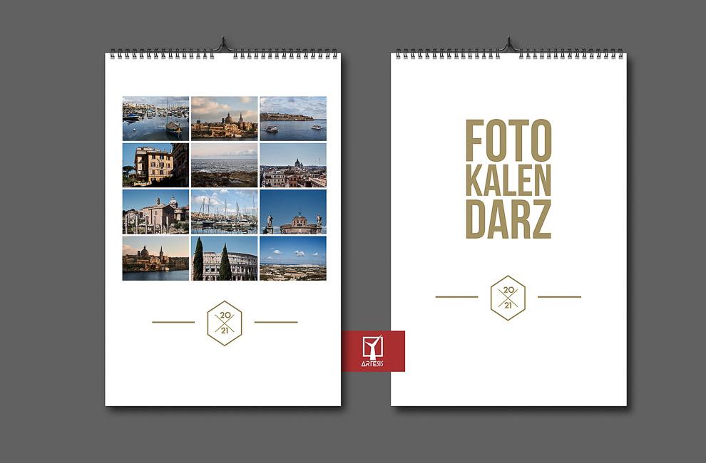 foto kalendarz z okładką 12 miesięcy