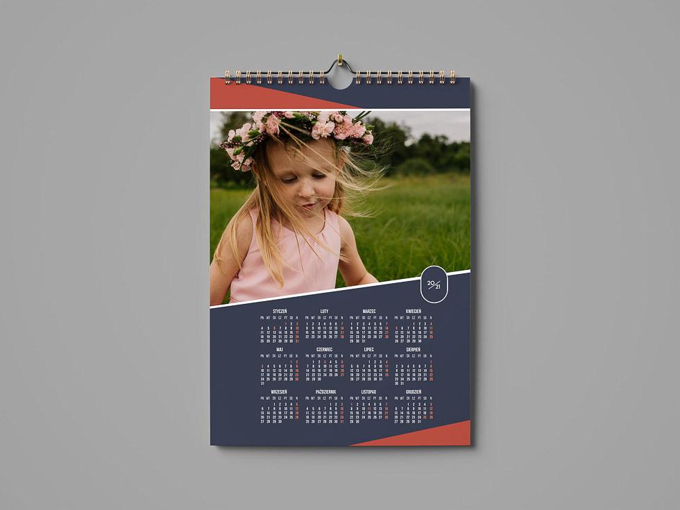 Kalendarz 12 miesięcy na jednej stronie